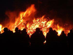 Osterfeuer (fällt aus!) @ Dorfhaus (komplett)